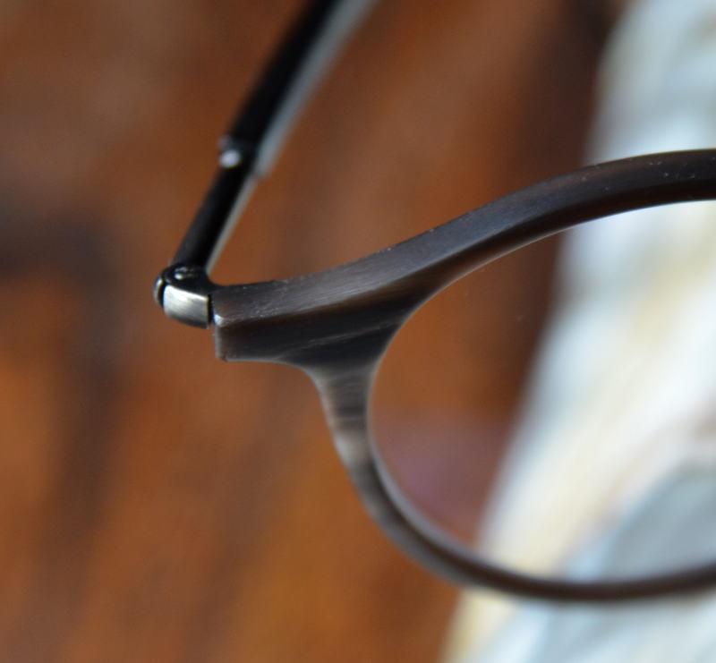Hornbrille-Ausschnitt-Design-Naturell
